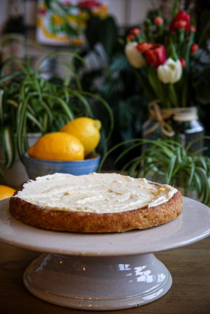 Vegaaninen sitruunaketokakku